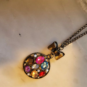 NWOT Super Sweet Gem and Bow Aged Gold Necklace